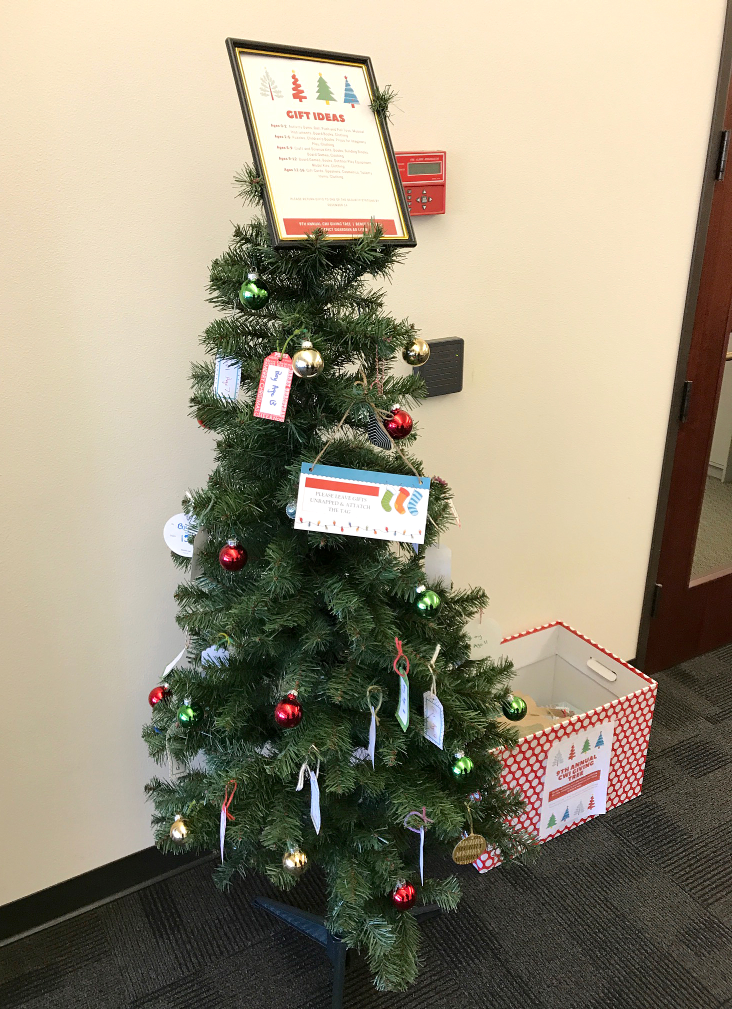 Christmas Giving Tree Ideas.Cwi Donation Drives Cwi